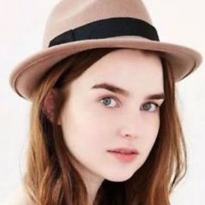 Urban Outfitters Bdg hat
